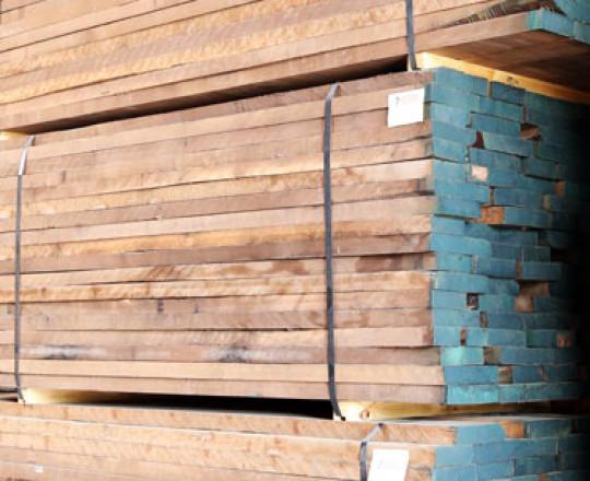 Dried Lumber - Random Width - 8/4 - End trimmed - Painted